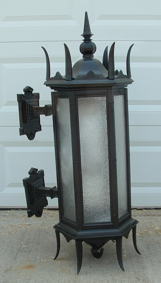 Gothic Wall Mount Light